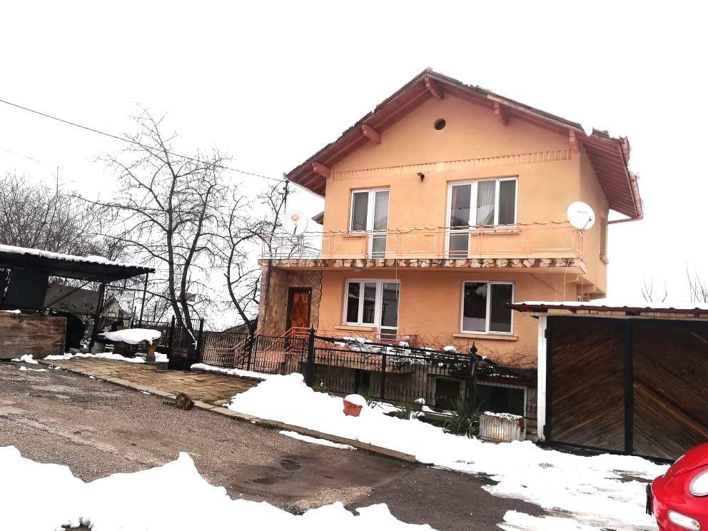 Продажба на къща с двор,панорама, готова за живеене, гр. Банкя