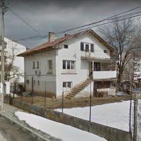 Къща в град Правец